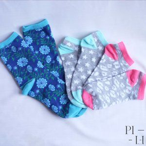 Three pairs of socks with pretty pattern blue pink